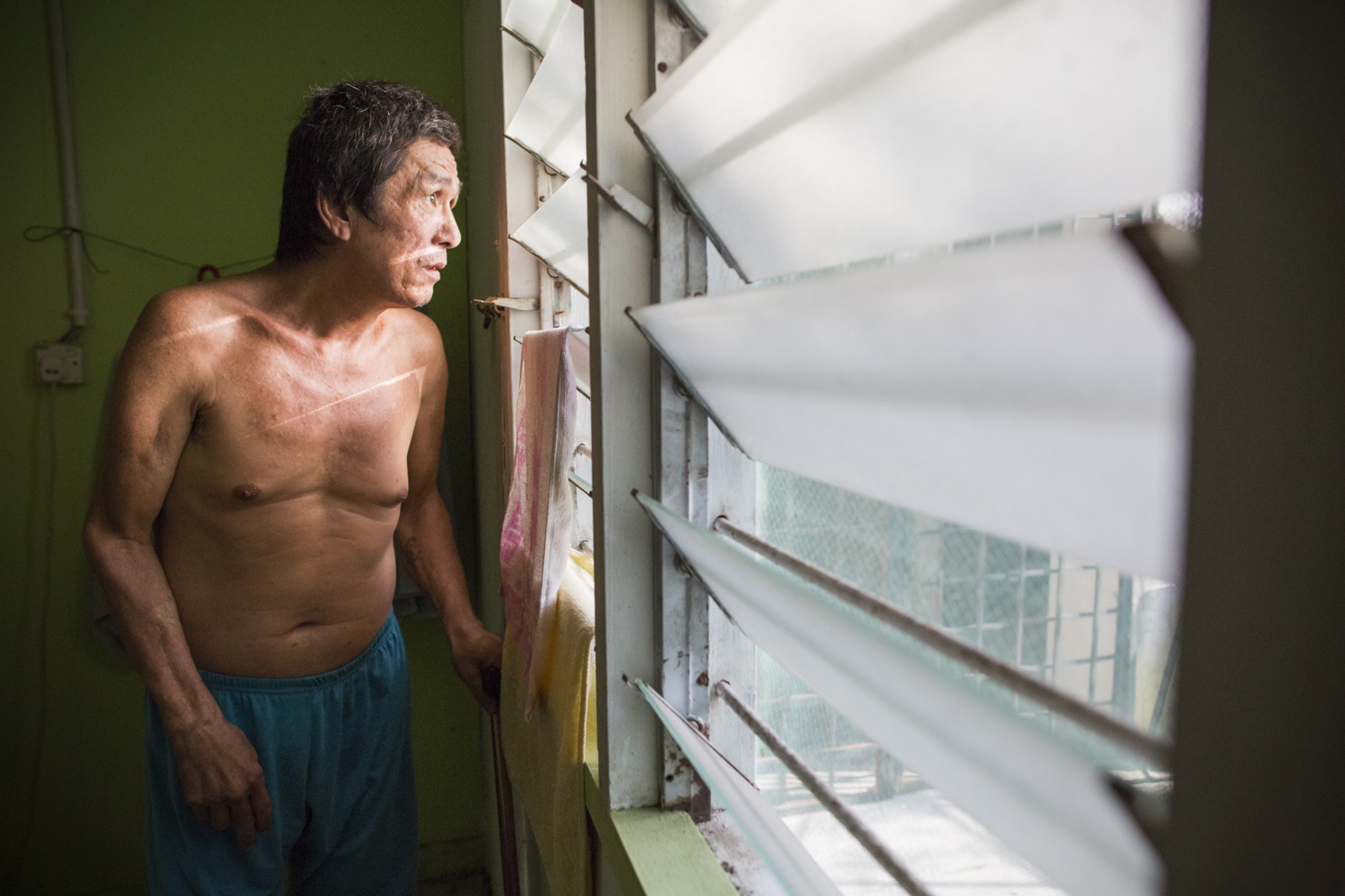52 year-old Mr Guo has spent 5 years living at PLC. When he first learned that he contracted HIV, he left his wife and 7 year-old son to move elsewhere, fearing rejection from his family. It has been 12 years since he first left home, but he hasn't yet mustered the courage to face his family. He thinks of them often.