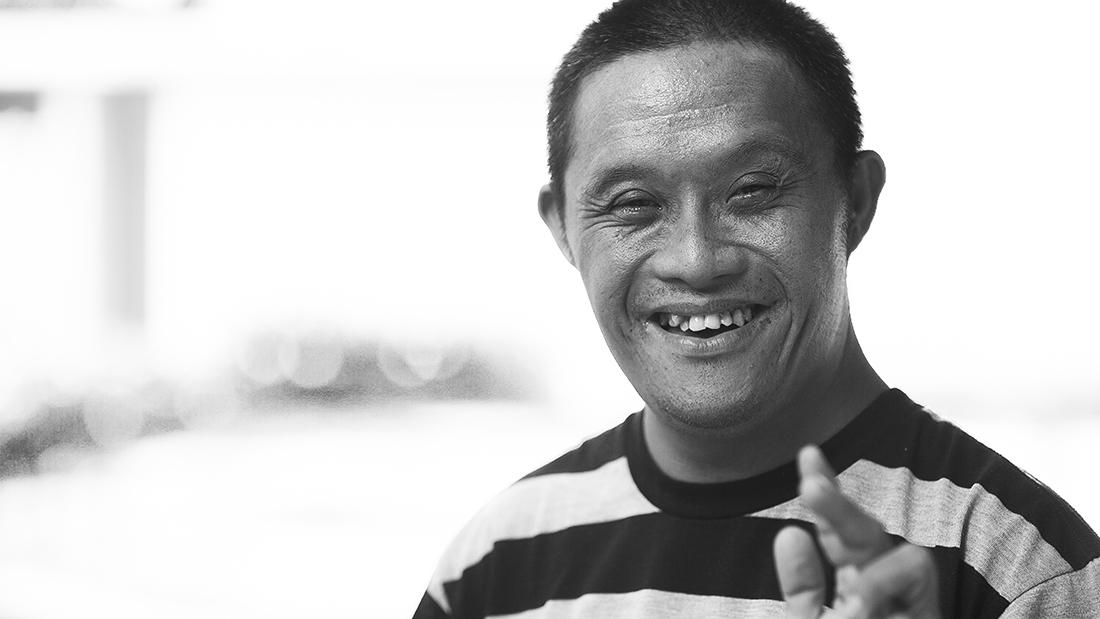 Kurnia was always ready and generous with his contagious smile and a peace gesture for the camera. Always!
