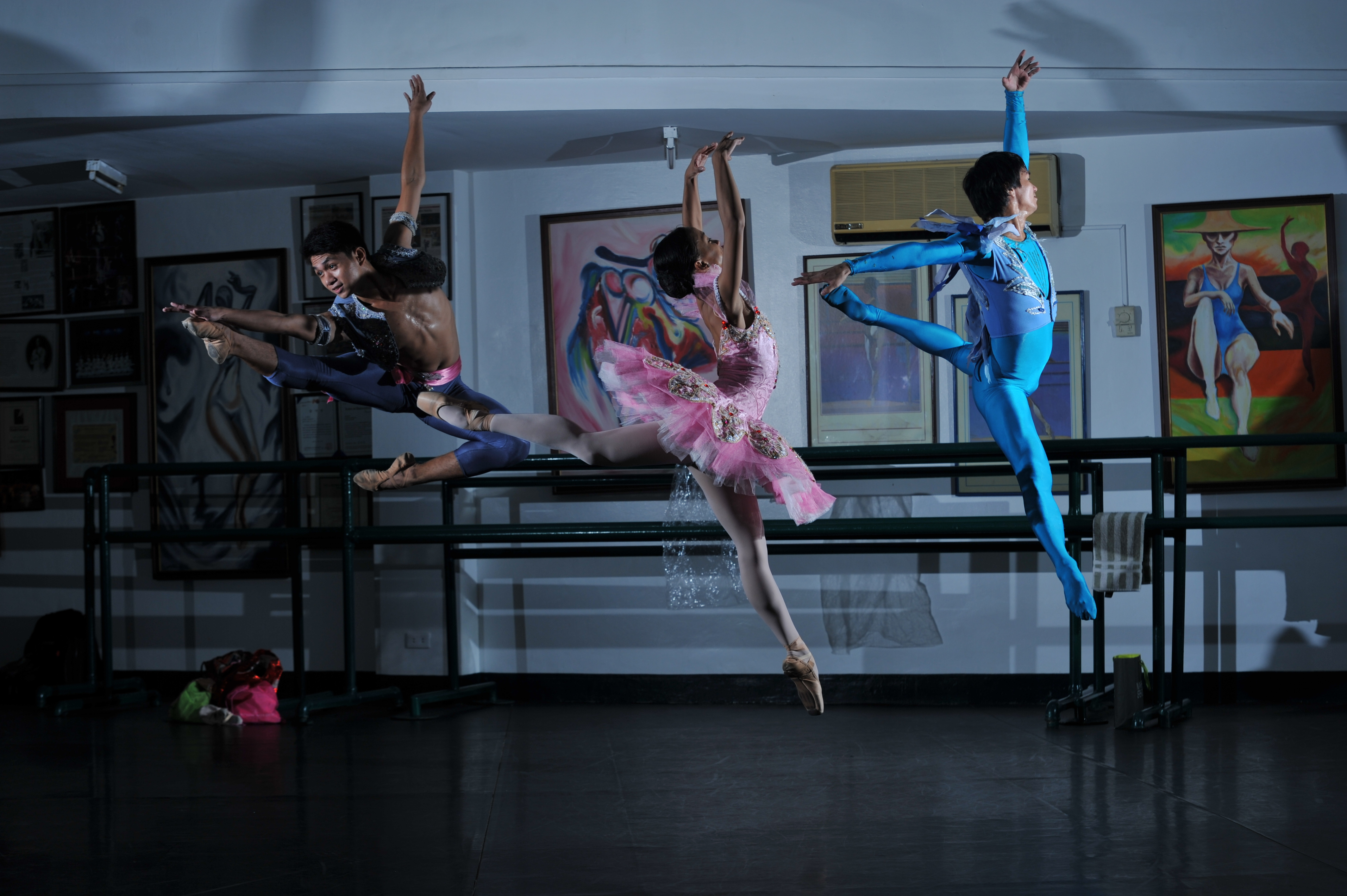 Jamil, Jessa and Raymart are ballet dancers — poised, elegant, beautiful, and poor