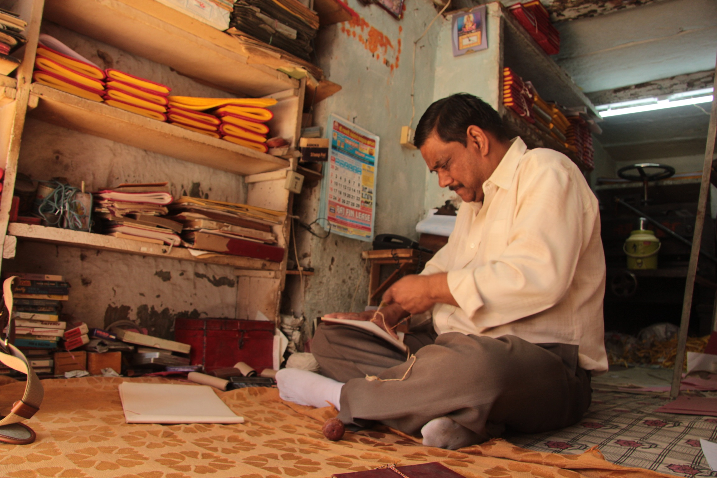 Prayod a bookbinder in Udaipur